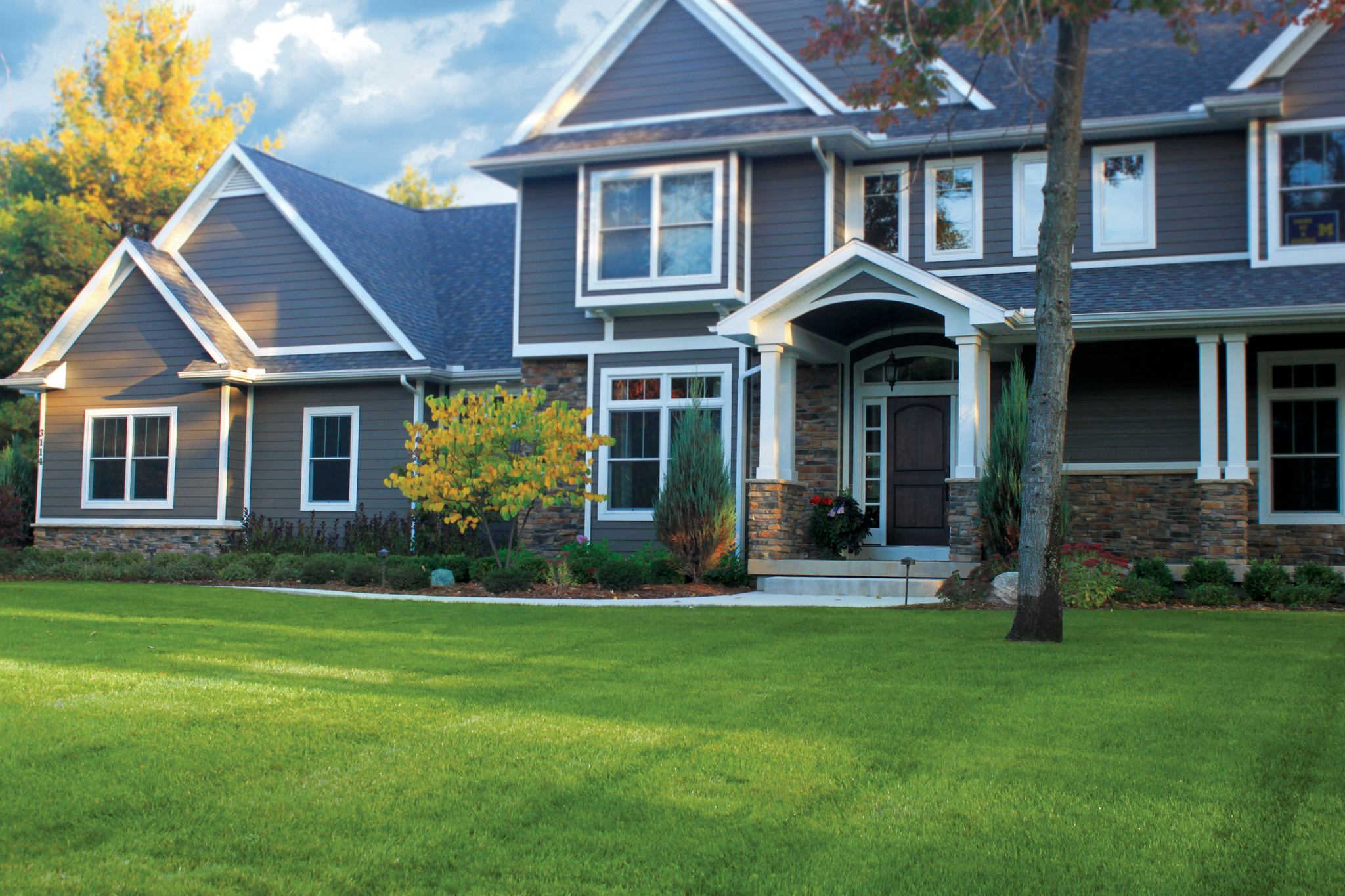 3 Reasons for Dead Patches in Your Lawn